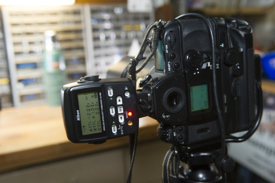 Nikon SU-800 Commander flash head, required to access the F6's CLS functions.