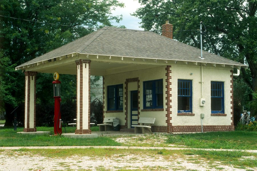Old filling station along the Lincoln Highway, Jefferson, Iowa